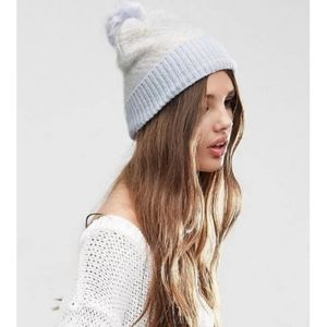 Winter hat with pompom